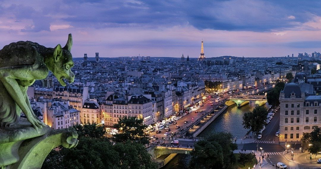 Première destination de nos voyages virtuels : Paris